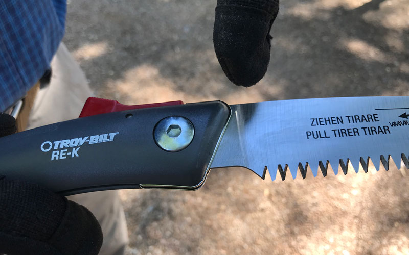 Troy-Bilt-Folding-Saw-saw-teeth-not-full-length-of-blade