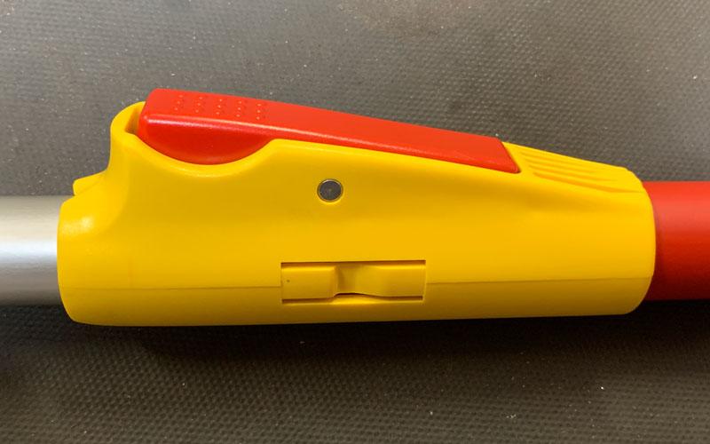 Wolf-Garten-Interlocken-handle-locking-mechanism