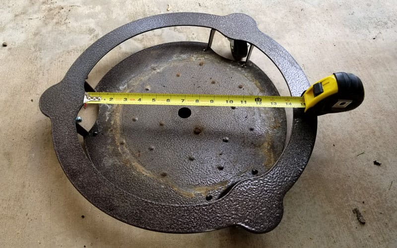 measuring tape showing inner diameter of a heavy duty plant caddy from Cascade Manufacturing