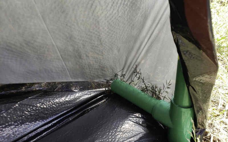 Leaf Gulp holds large trash bag open