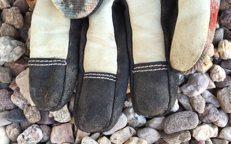 reinforced fingertips on gardening gloves