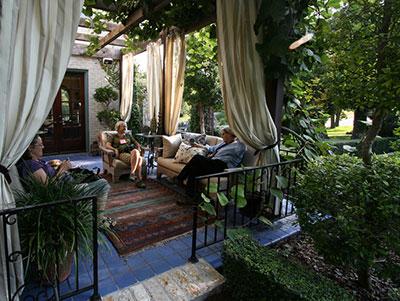outdoor living spaces - gardening