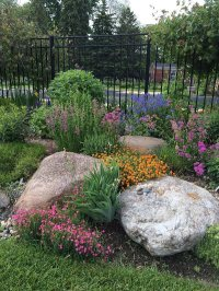 Easy Ideas for Landscaping with Rocks To Beautify Your ...