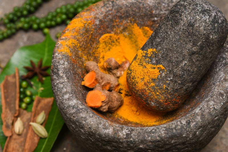Using and storing turmeric root