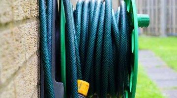 How to store garden hose?