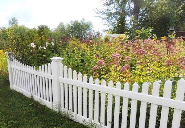corner left outside fence
