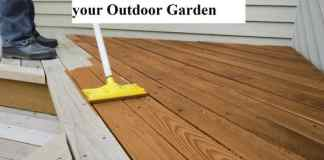 How to Stain a Deck For your Outdoor Garden