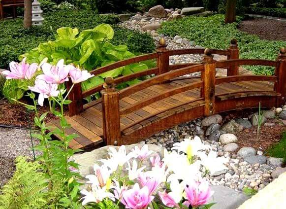 Why you Have Chose Large or Small Garden Bridge Styles