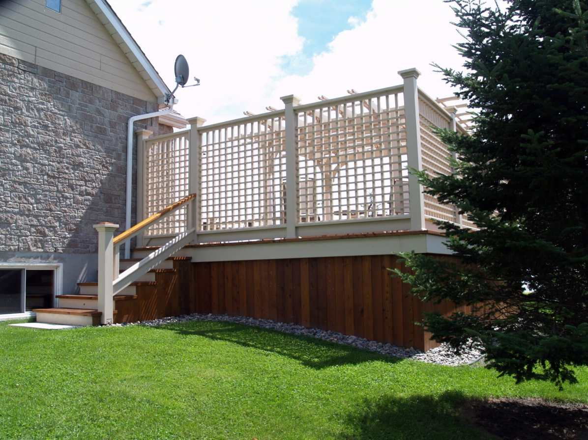 Privacy screen on decks in Oakville
