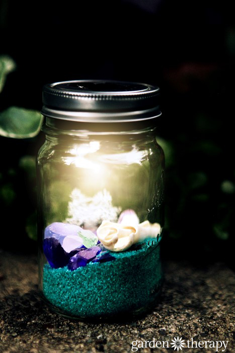 Beach Mason Jar Solar Light project lights up the night