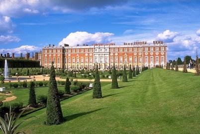 Hampton Court Palace gardens Photo Andreas Tille