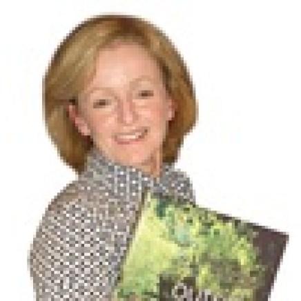 Botanica_Teena Crawford Posing White Background_APT_LR