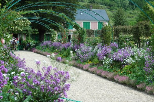 Europe's Best Gardens_Giverny_LR