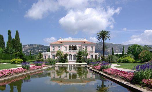 800px-Villa_Ephrussi_de_Rothschild_BW_2011-06-10_11-42-29a