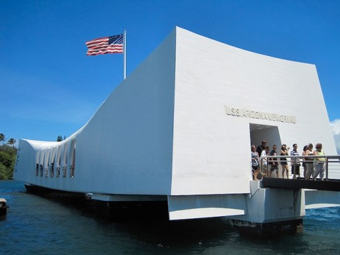 USS Arizona Memorial Pearl harbour Photo by Victor-ny
