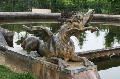 Versailles Grand Trianon Bassin Plat fond Dragon