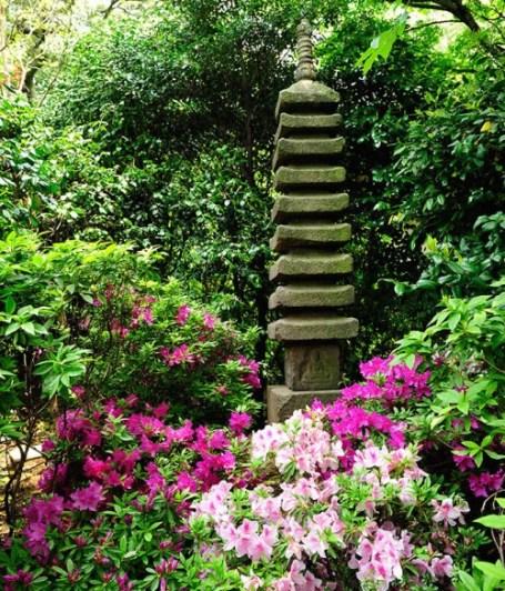 Hotel Chinzanso Tokyo - spring azaleas