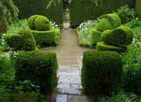 Hidcote Manor, White Garden