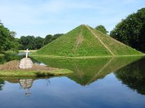 Pyramid grave in Fürst Pückler Park, Branitz. Photo Ekeha