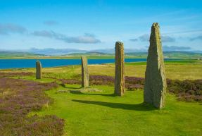 Ring of Brodgar in Orkney © shadowgate:WikimediaCC