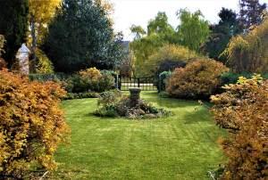Curry Flat Sundial Garden. Photo Courtesy Private Gardens of the Monaro