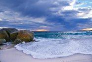 Binalong Bay at the Bay of Fires © Tourism Tasmania & Kathryn Leahy