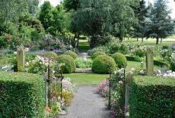 Flaxmere Garden Photo: Juliet Nicholas