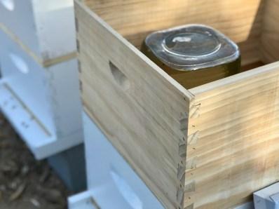 jar feeder in box