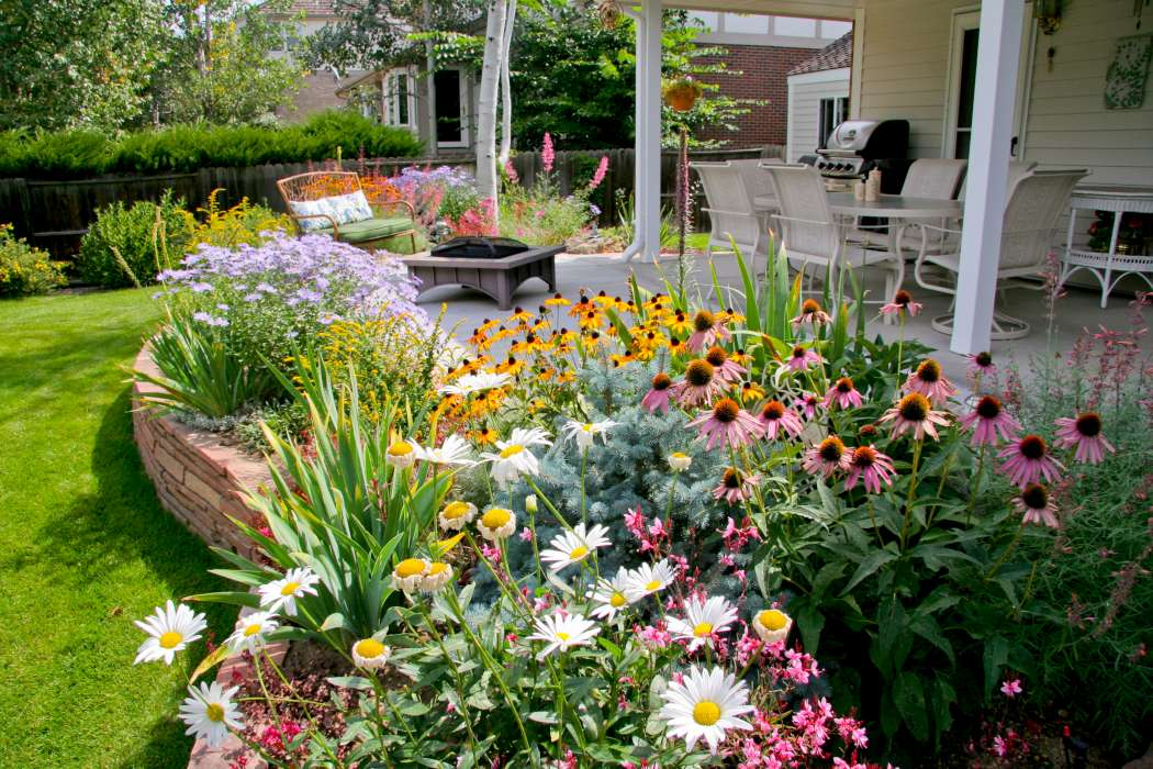 Photos  Breathtaking Rocky Mountain Gardens Patios and Yards  Garden Variety