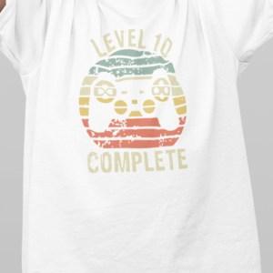 Level completed vpiši pravilno letnico majica