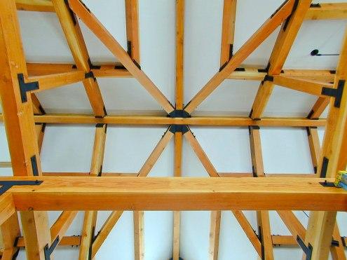Roof beam configuration