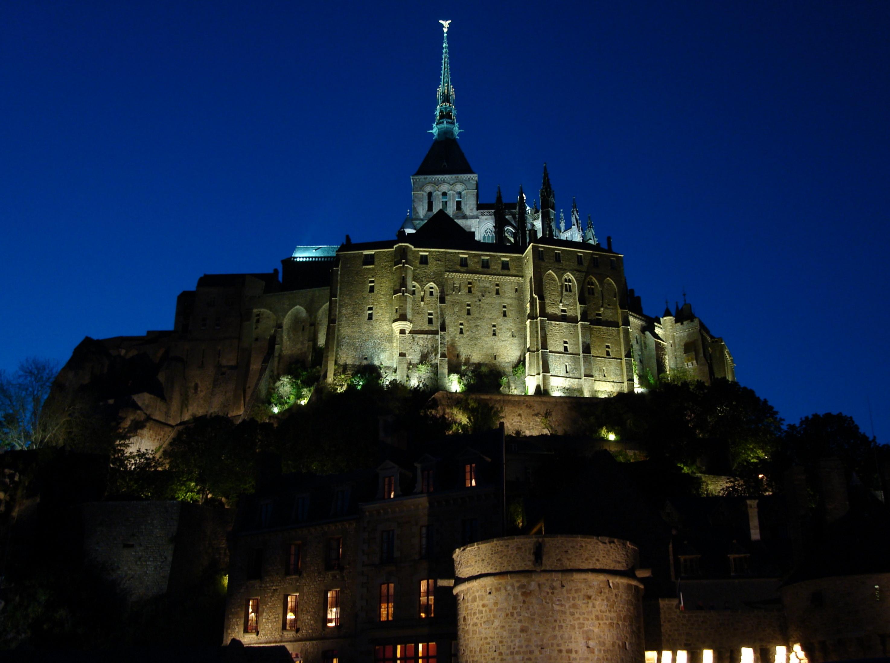 Normandia A Magia Do Mont Saint Michel DE GARFOS E DE