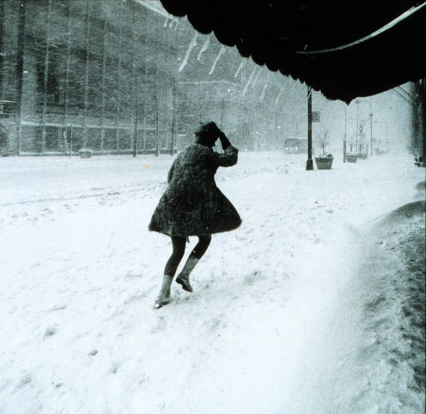 The 1969 Nor'easter dumps snow on Manhattan.