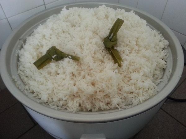 Tutorial Cara Masak Nasi Putih Dalam Kuantiti Yang Banyak