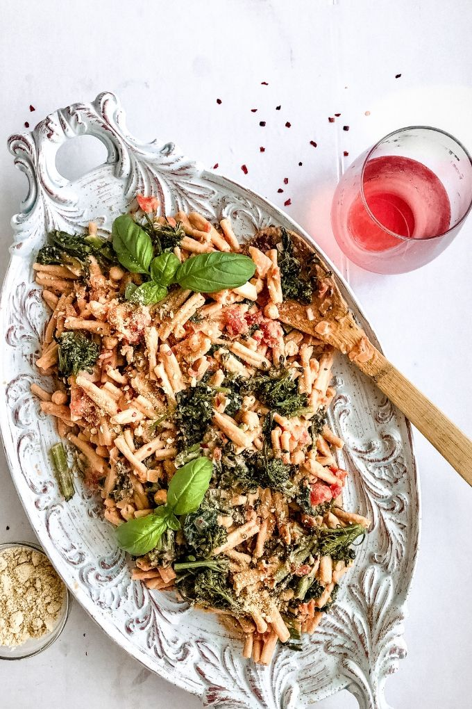 pink sauce cream pasta with rose wine