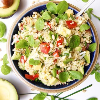 AVOCADO AND TOMATO QUINOA SALAD