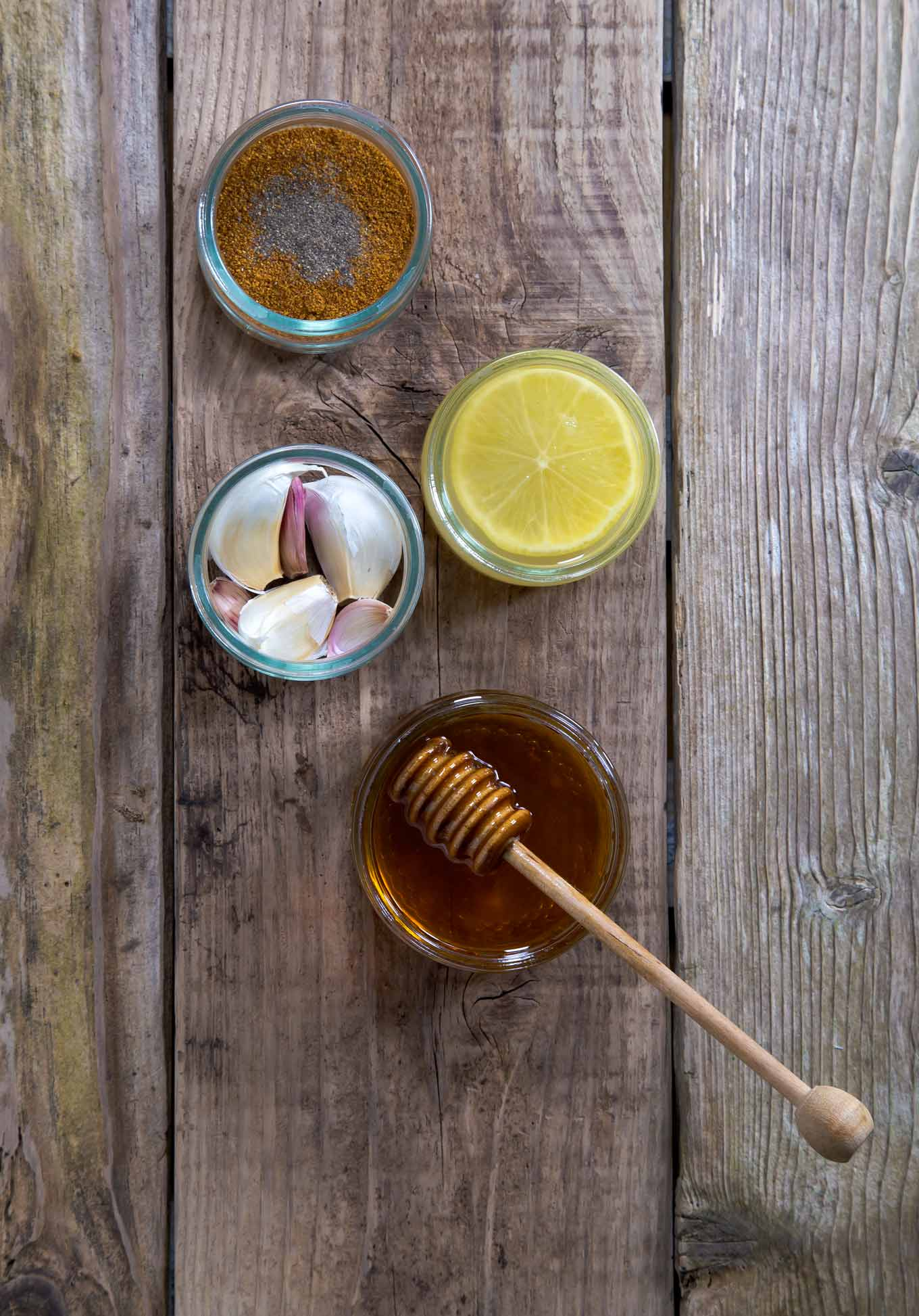 Garlic honey syrup for sore throat recipe - homemade and natural sore throat remedy which also helps with a cough and cold symptoms.