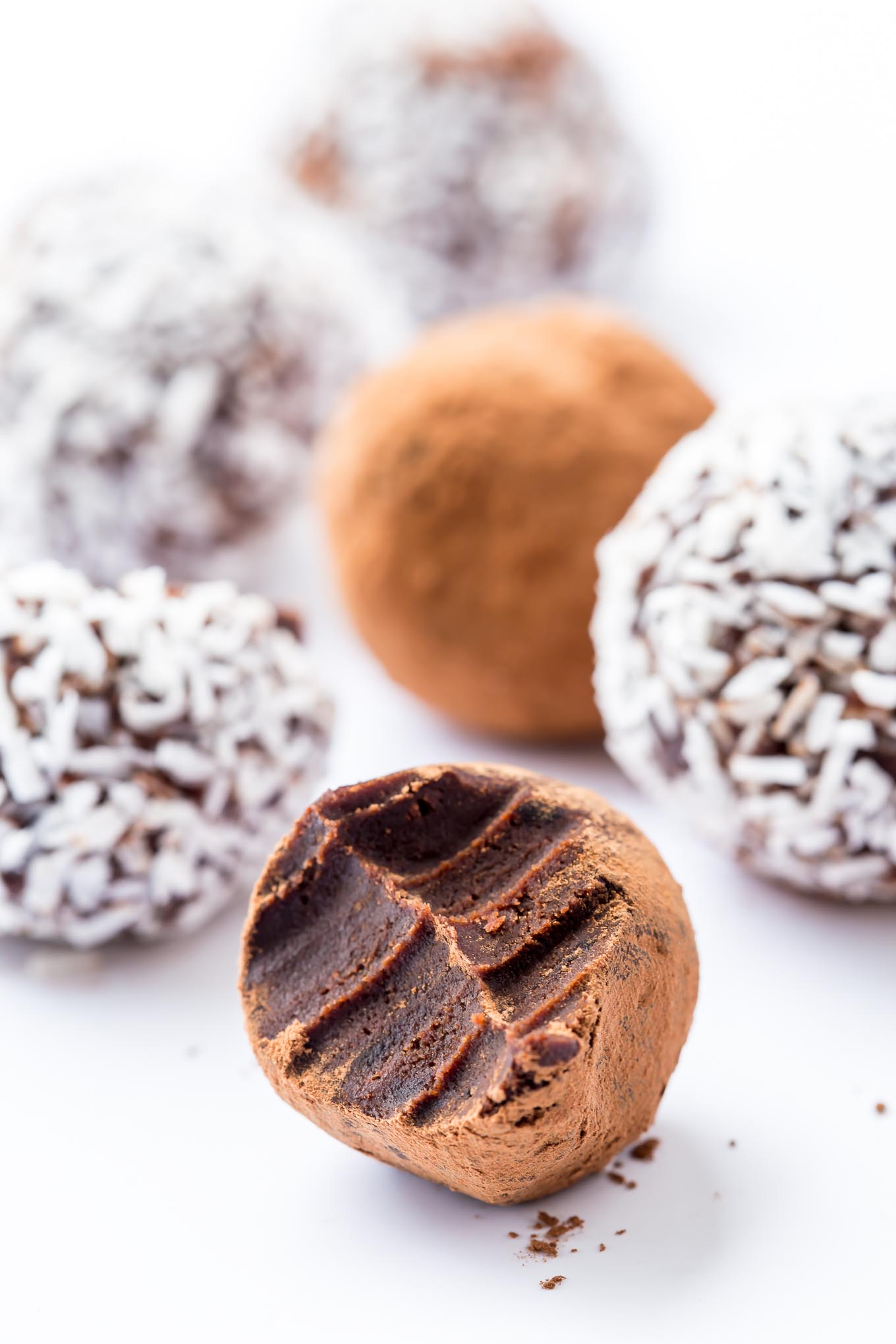 BLACK GARLIC CHOCOLATE TRUFFLES | GARLIC MATTERS