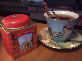 Te fra Sri Lanka i en herlig nyinnkjøpt kopp