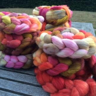 Håndfarvede fibre
