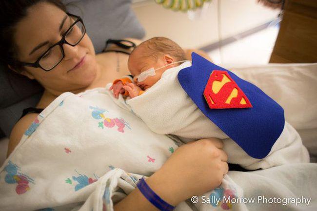 Bebês prematuros ganham roupinhas de super-heróis para o Halloween