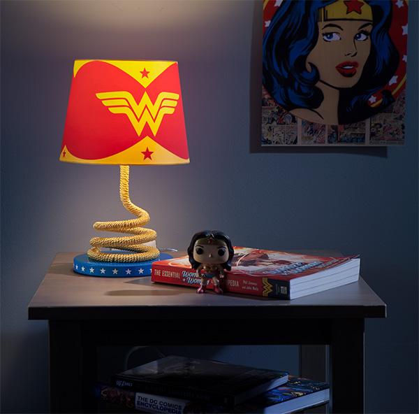 Mulher Maravilha: luminária Laço da Verdade