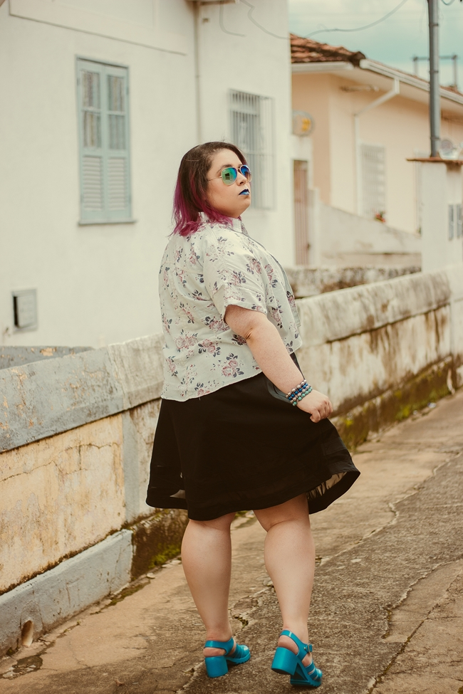 look camisa cropped plus size