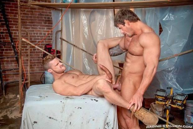 Homens Musculosos pelados