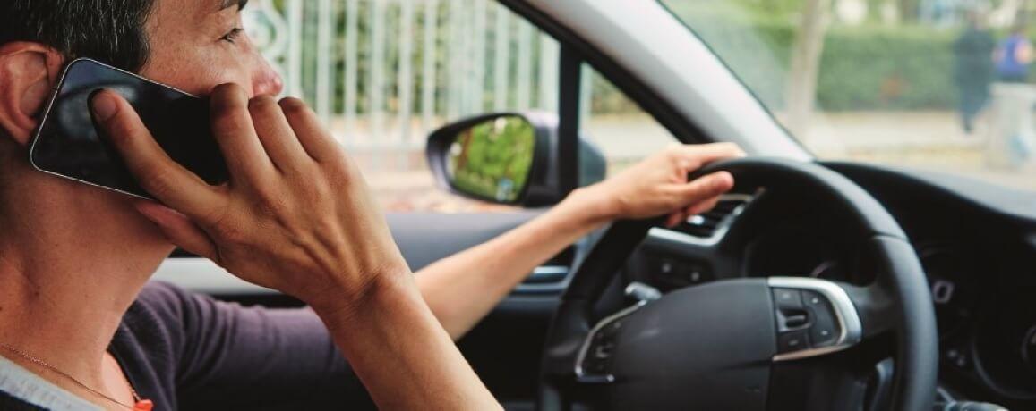 uso de móvil al volante