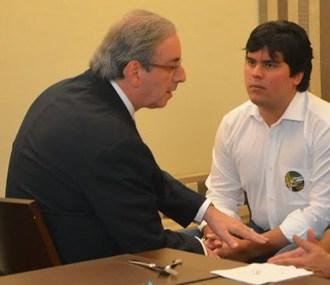 Eduardo Cunha dando conselhos ao deputado Fufuquinha