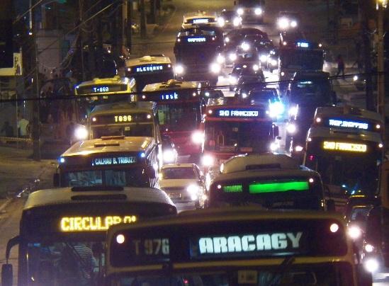 Agindo na escuridão, empresários tentam barrar licitação do transporte coletivo