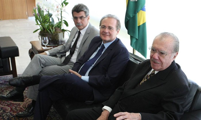 Cúpula do PMDB. Jucá, Renan e Sarney juntos em reunião no Palácio do Planalto, em 2012: o procurador-geral quer a prisão dos três por terem tramado contra a Lava-Jato - André Coelho/13-12-2012