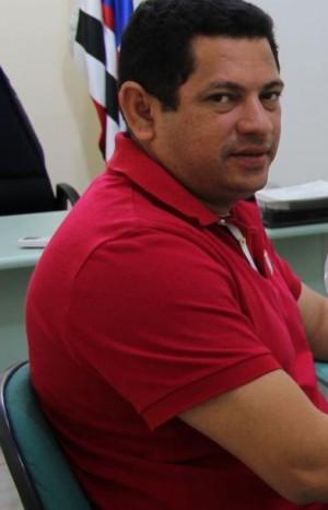 O prefeito Magno Amorim acumula denúncias do Ministério Público