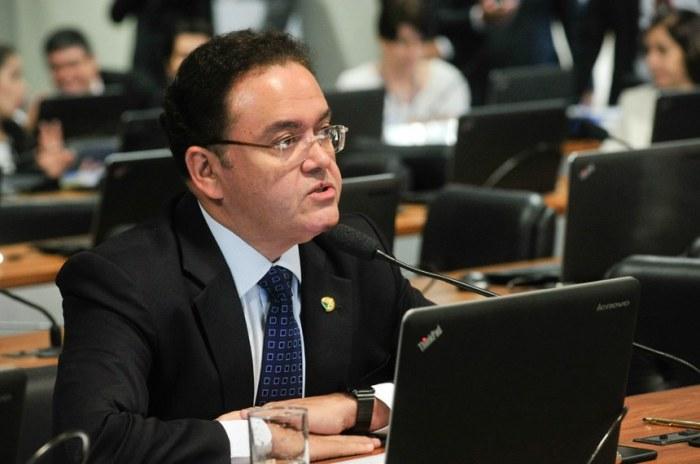Roberto Rocha: política voltada para os interesses pessoais e familiares